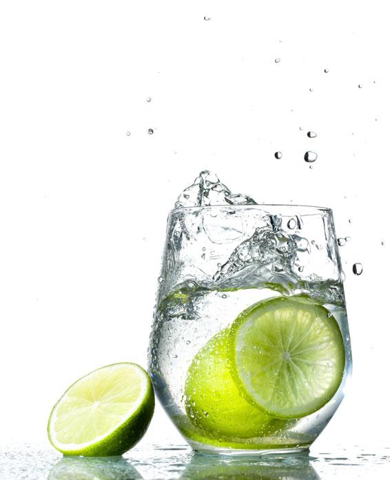 copa de Água com limão