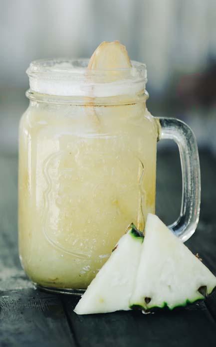 Suco detox de gengibre e abacaxi